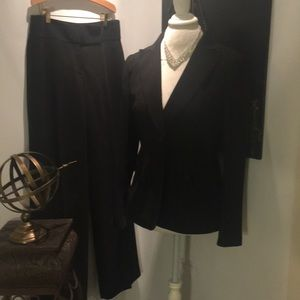 N Y P SUITS MADE IN VIETNAM DRESS COATS AND PANTS